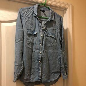 GAP Soft Tencel Denim Button Down Shirt Size Med